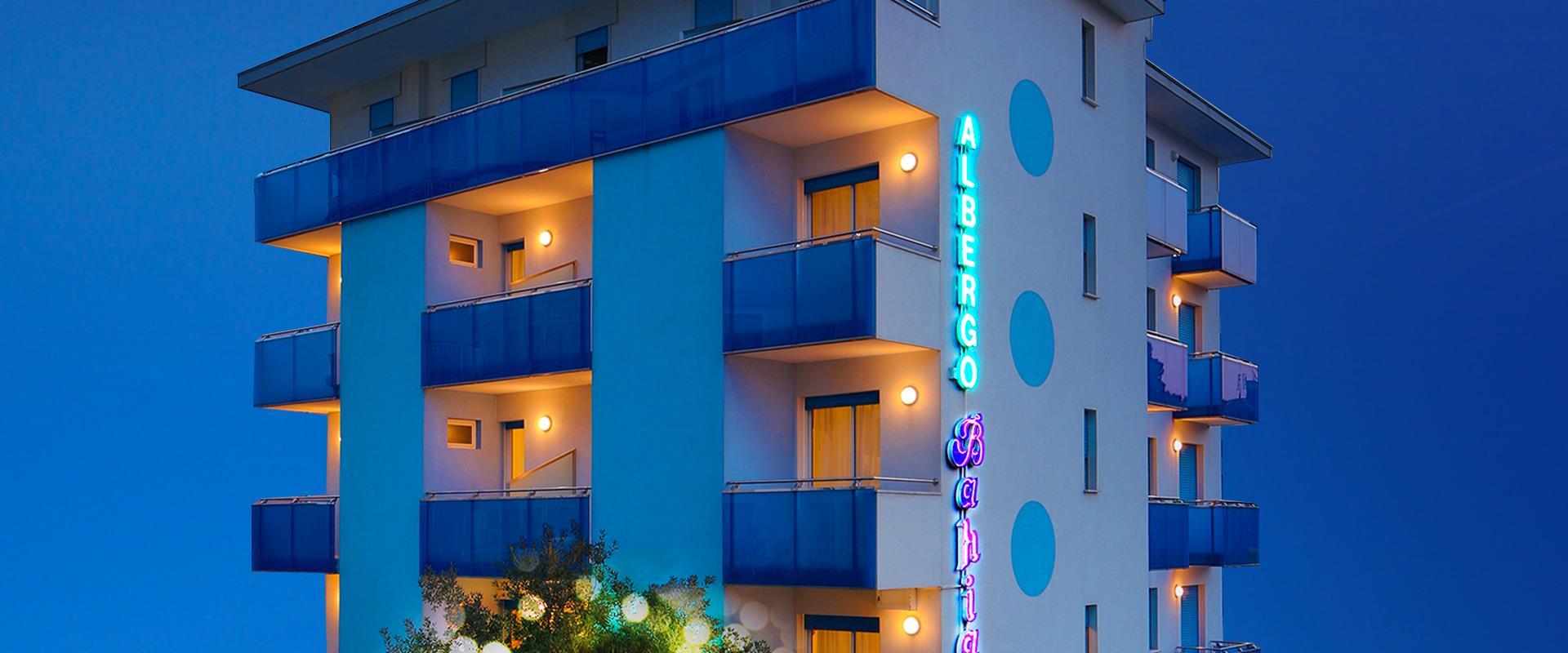 bahia hotel wenige schritte vom meer und 100 meter vom zentrum. Black Bedroom Furniture Sets. Home Design Ideas